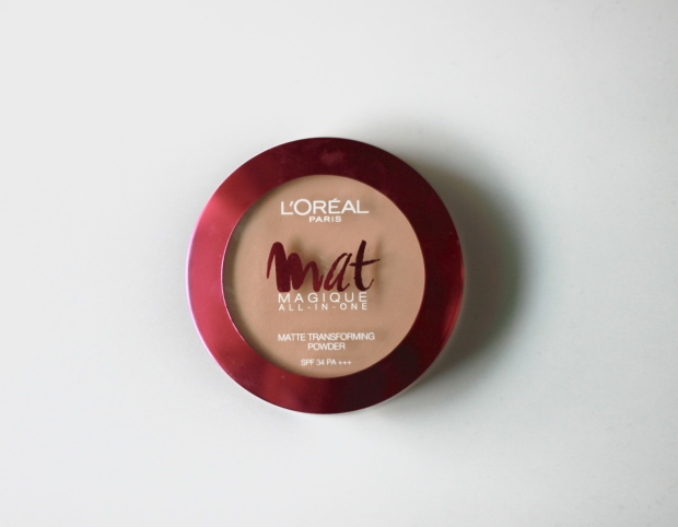 Loreal Mat Magique compact powder, loreal compact, loreal powder, loreal mat magique, real techniques, real techniques kabuki brush