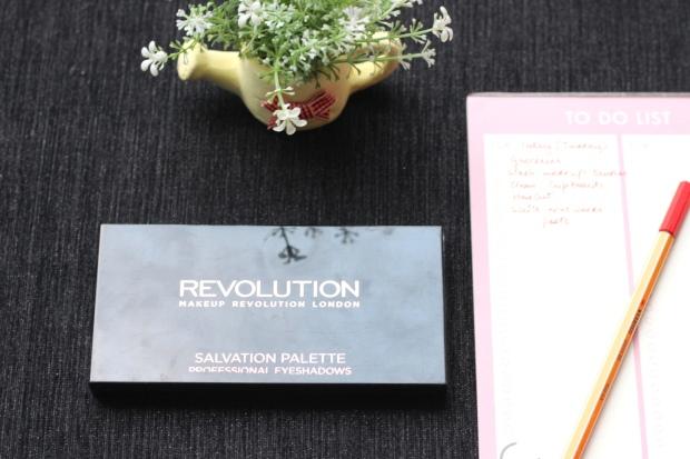 Makeup Revolution, Makeup Revolution Salvation Palette, Makeup Revolution girl panic, makeup revolution eye shadow palette