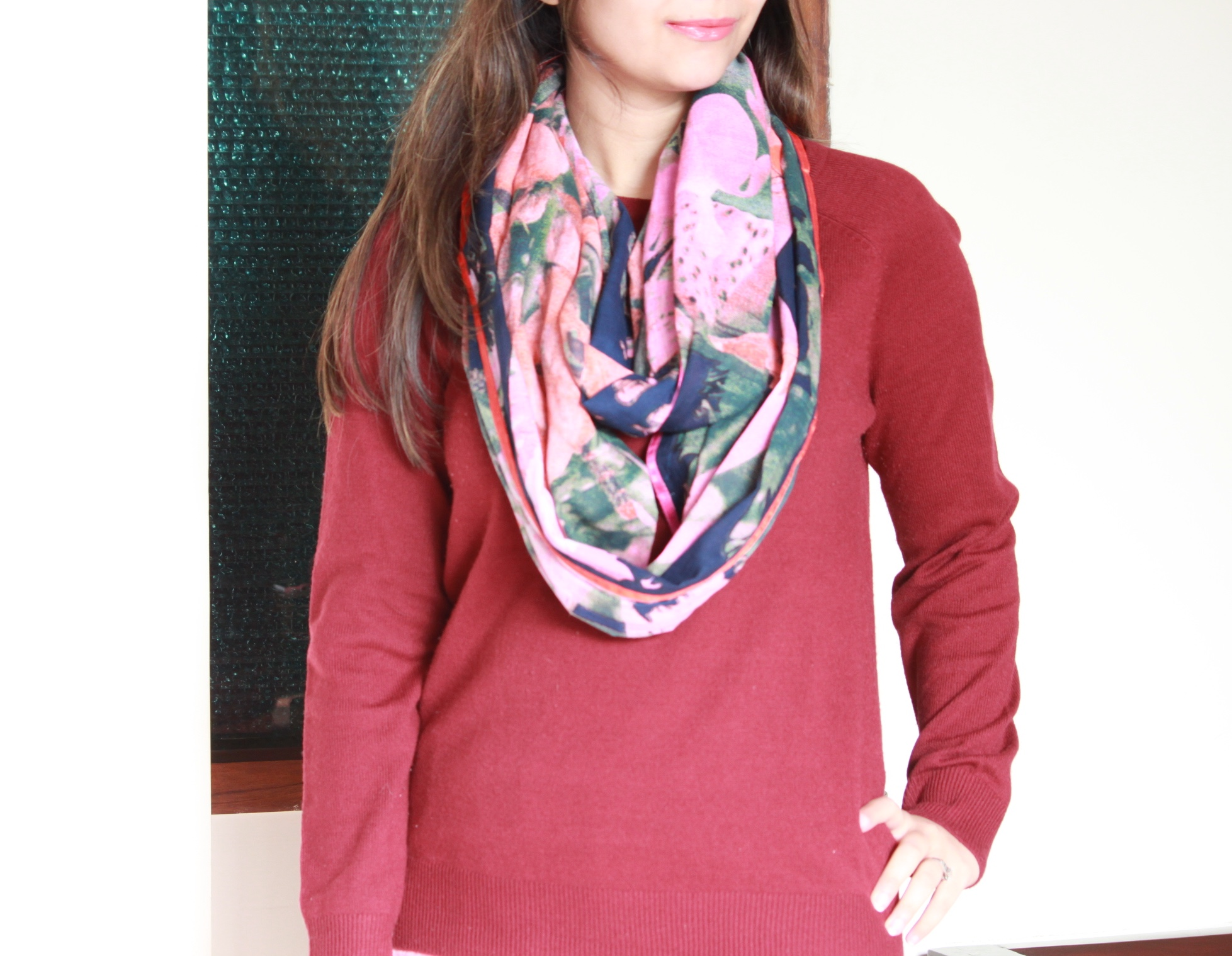 how to wear an infinity scarf in 4 easy ways featuring