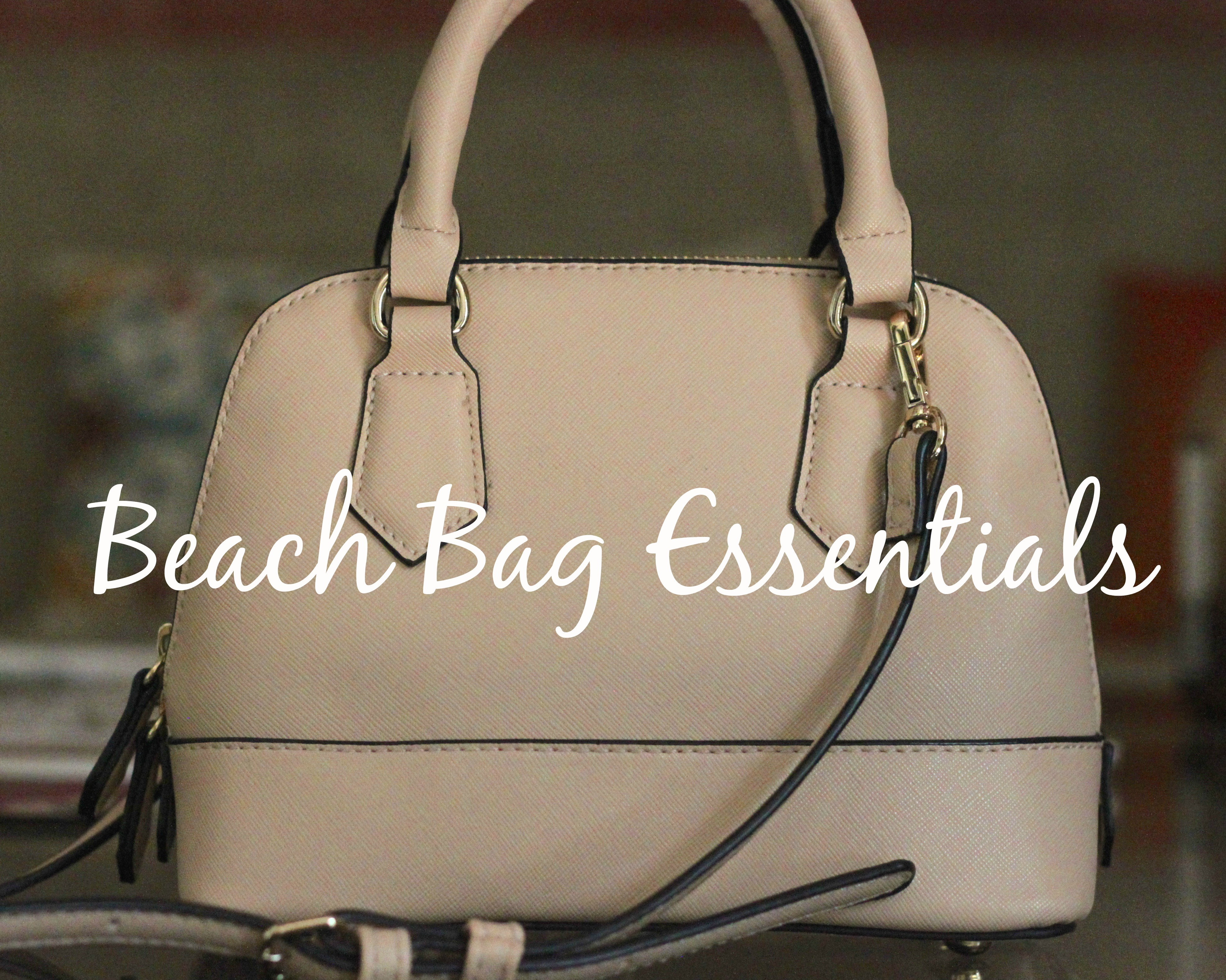 Goa, beach bag, beach bag essentials, whats in my beach bag, whats in my bag, beach essentials, goa diaries, Candolim beach
